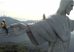 Pirelli registra reforma do Cristo Redentor