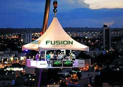 Fusion ergue bar a 30 metros de altura