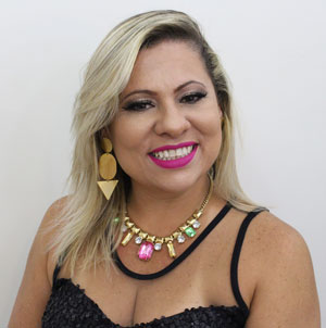 Simone Aline, blogueira e fundadora do EBSA